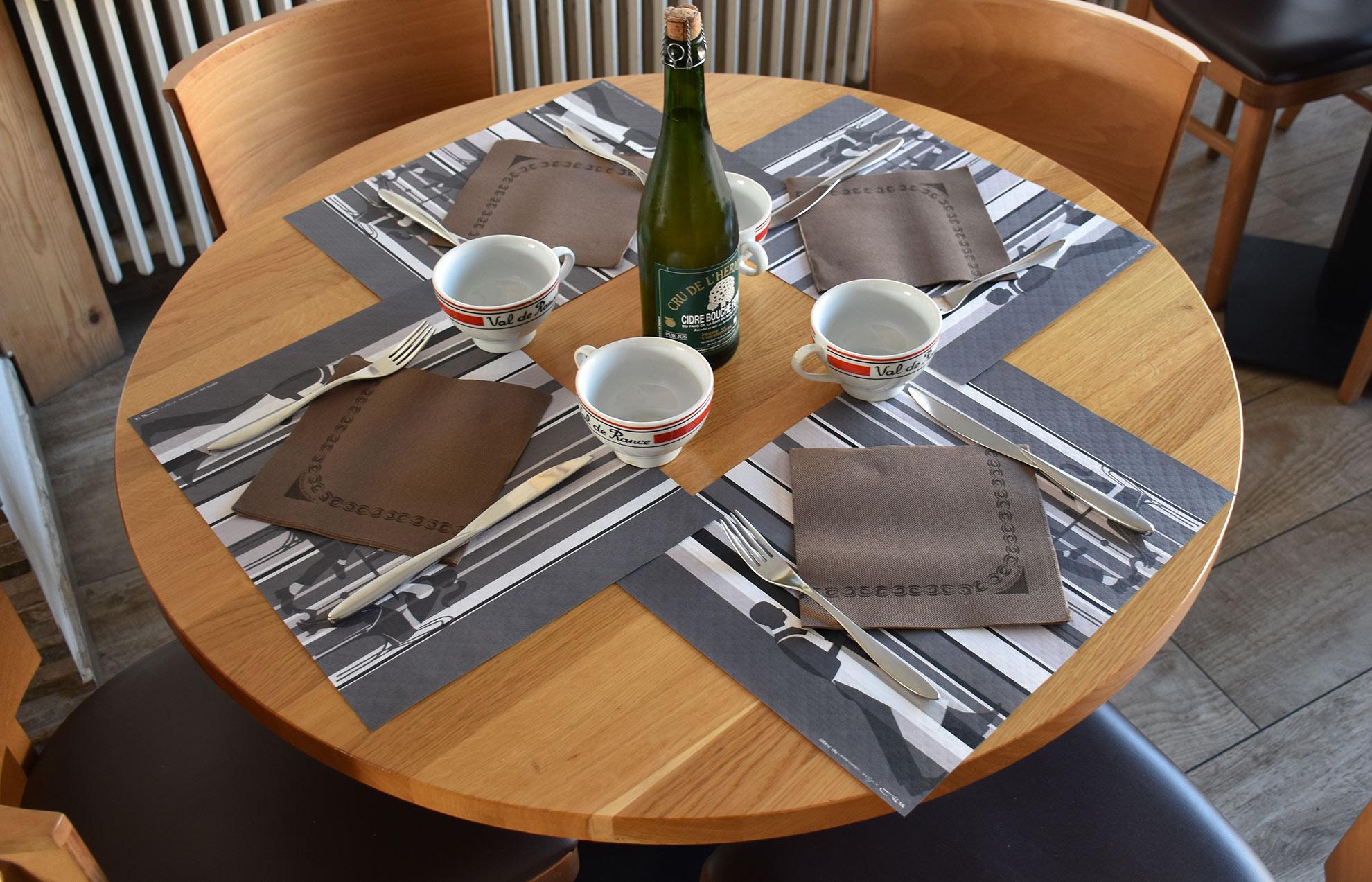 Crep'Show table ronde et cidre breton artisanal